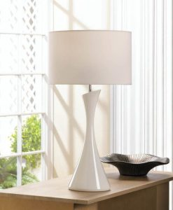 sleek-modern-white-table-lamp-12