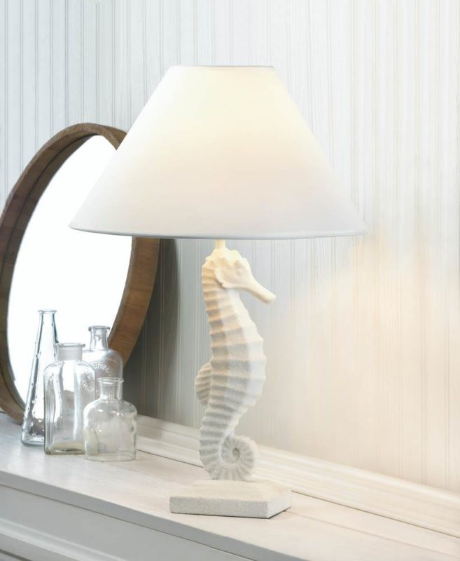 white-seahorse-table-lamp-15